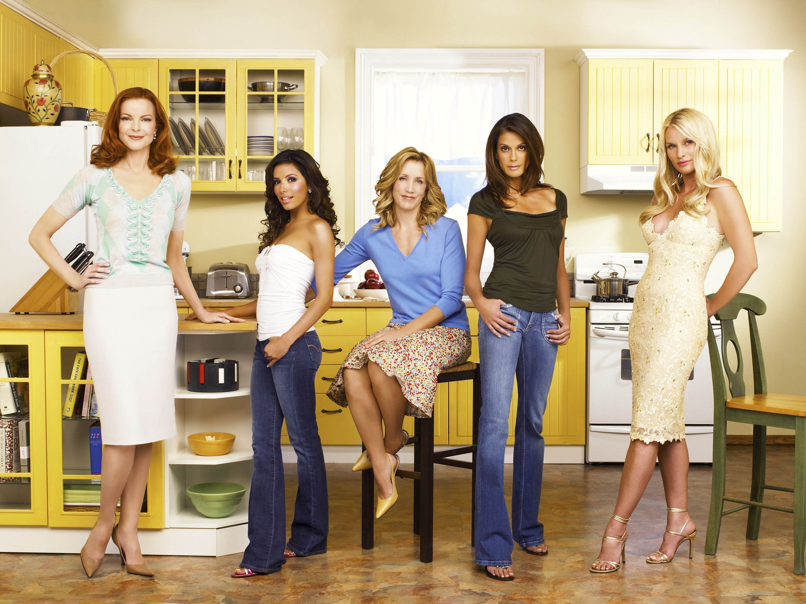 House design tv series - Susan Mayer Lynette Scavo Bree Van De Kamp Gabrielle Solis Edie Britt Desperate Housewives Housetv