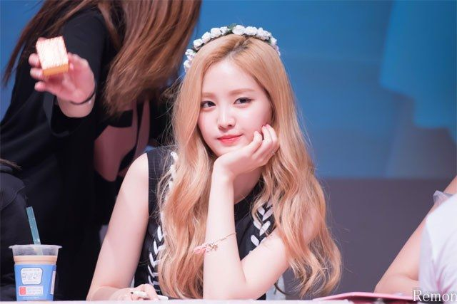Fans Agree These 9 K Pop Idols Will Make You Gasp When You See Them In Person Koreaboo Apink Naeun Idol Kpop Idol