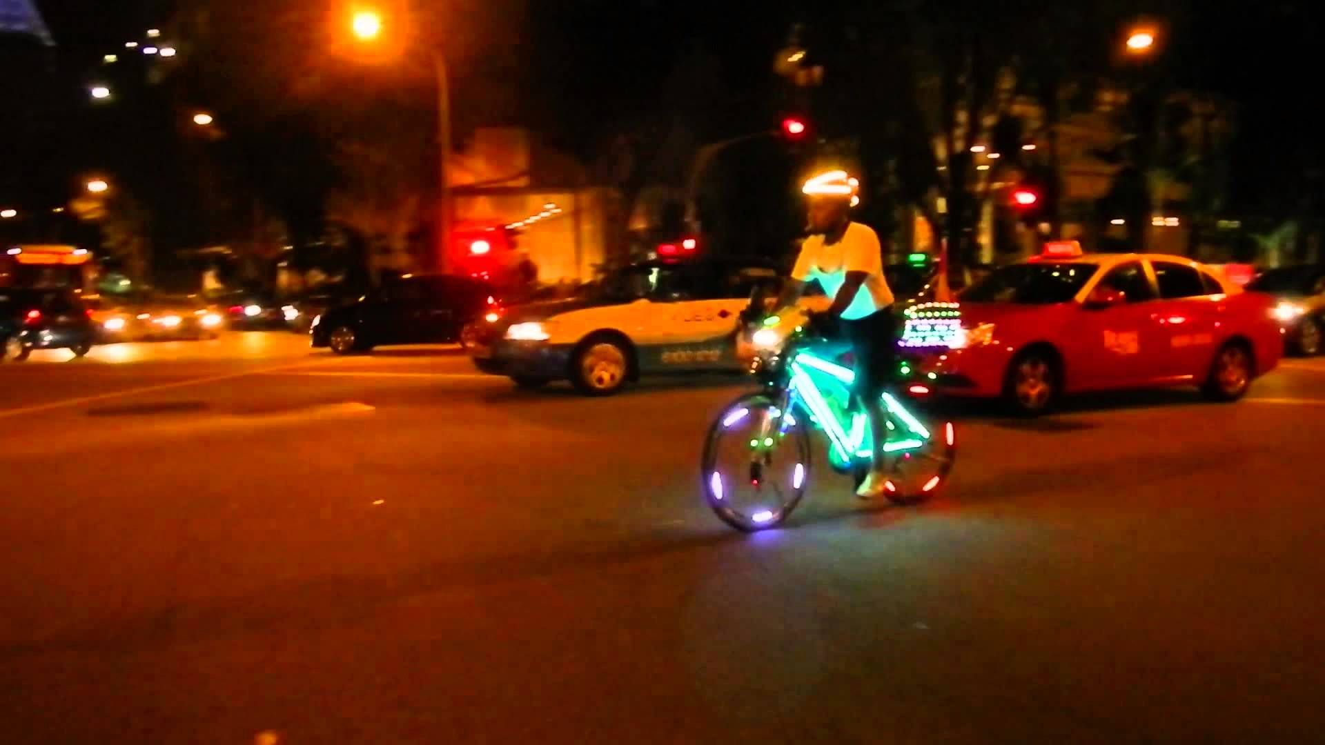 The Glowing Bike Glowing In The Dark Bike Seeking To Make Bike Paths Safer And More Accessible In The Evening And Night Hours Cycling Outfit Bike Path Bike Traffic light bicycle night glow neon