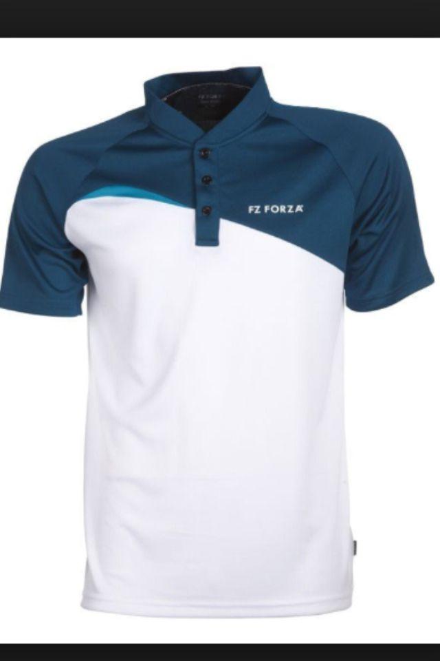 Polo Manche courte de couleur blanche avec logo TO ( petite taille ) sur la poitrine et logo TO ( grande taille ) dans le dos
