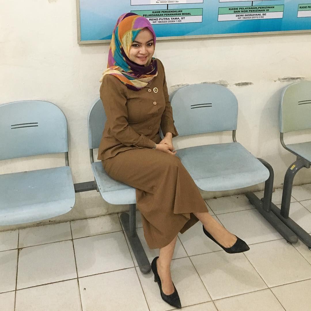 Model Baju Pns Wanita Berhijab