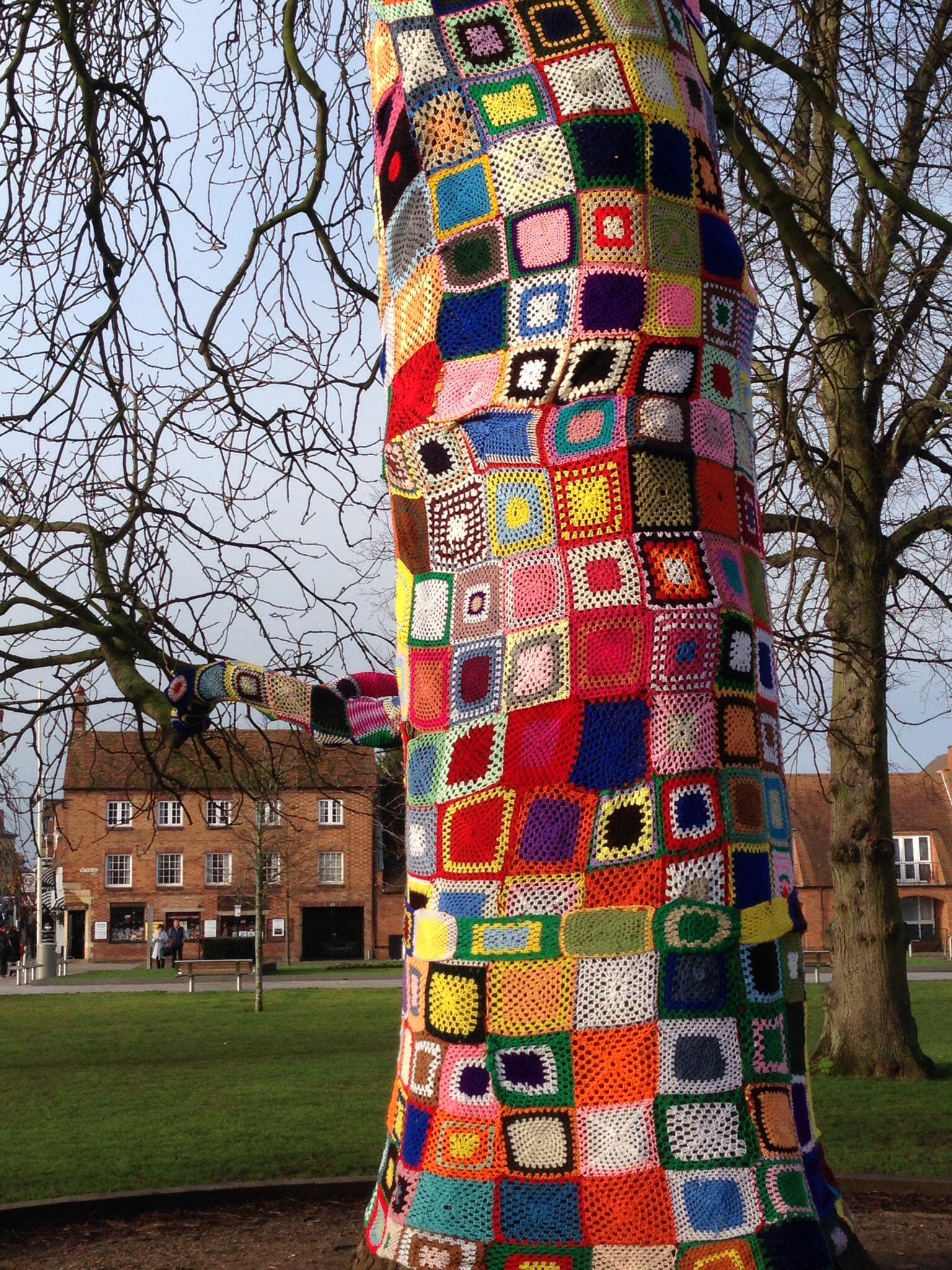 Guerilla knitting outside the Royal Shakespeare theatre, Stratford ...