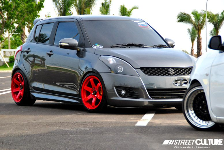 Grey_Suzuki_Swift_002 -diff color for the mags | swift