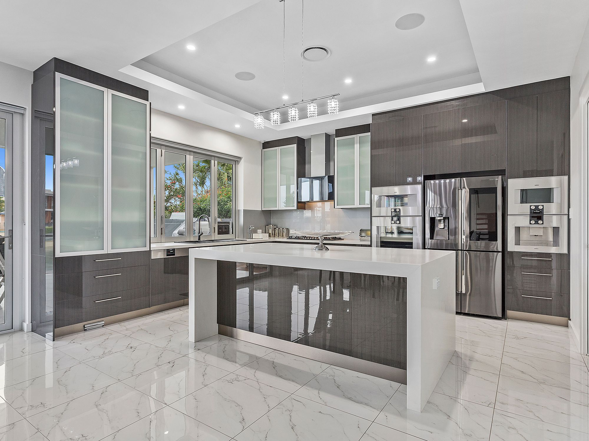 High Gloss Kitchen Creates A High End Look Island Bench Has Been Profiled To Look Thicker W Kitchen Design Modern Kitchen Design Open Plan Kitchen Living Room