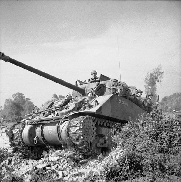 Operation Goodwood British Army S Largest Tank Battle In 25 Amazing Images War Tank Tank British Tank