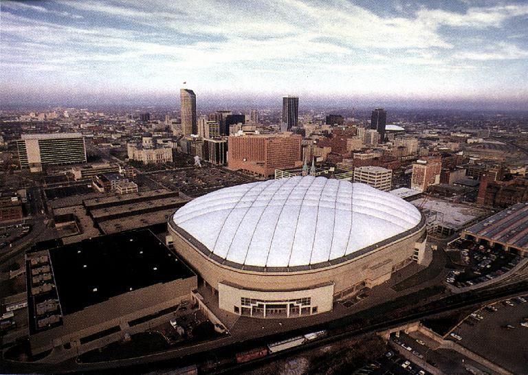 """RCA Dome. """"Hoosier Dome"""" no lo..."""