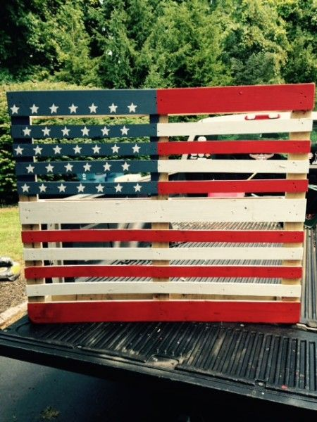 All you need is red, white, and blue paint to make this wood pallet American flag that doubles as art.