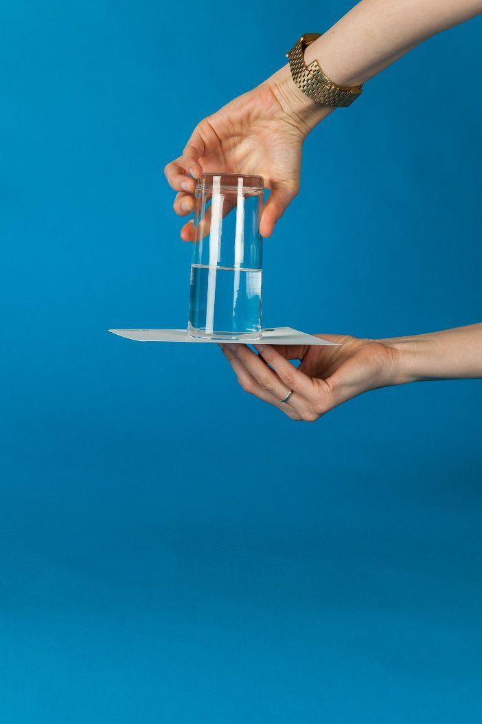 lernen mit spa experimente f r kleine forscher der geniale glas trick wasser experiment. Black Bedroom Furniture Sets. Home Design Ideas