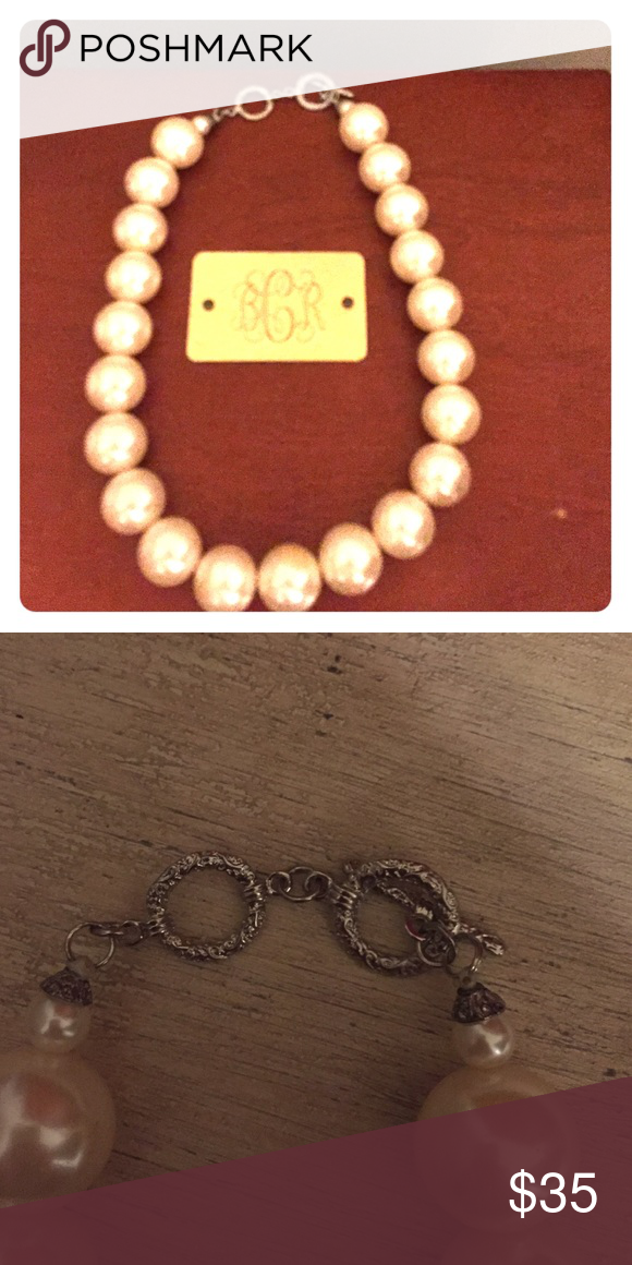 Oversized pearl necklace Too big for my small neck. Never worn, ever. Jewelry Necklaces