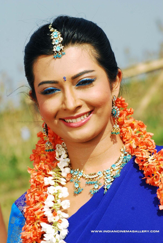radhika pandit hot photos