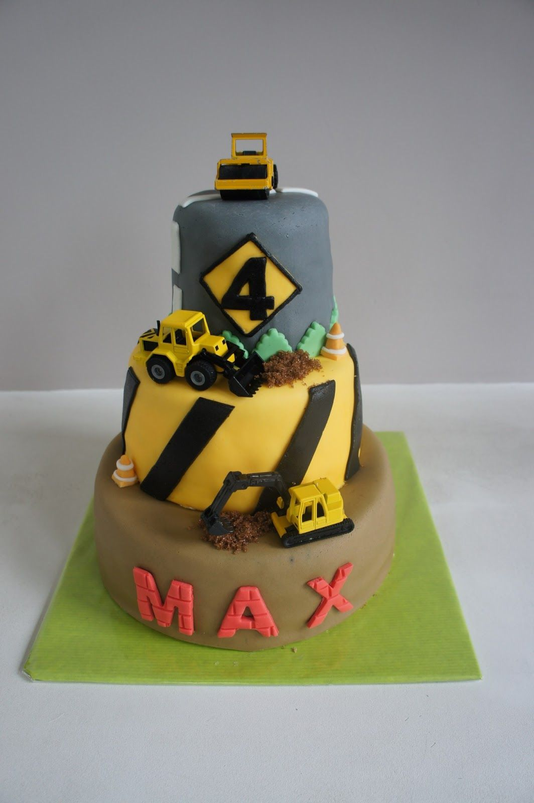 Construction cake for little Max, with his favorite trench