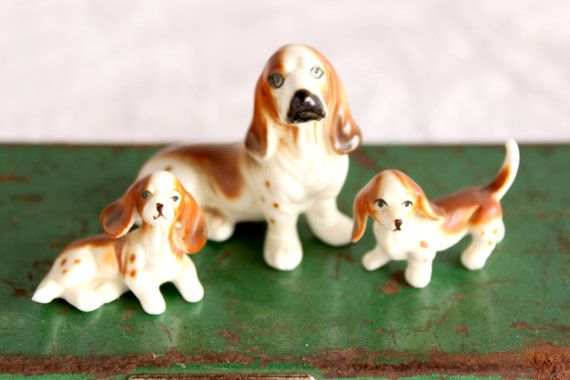 Vintage Basset Hound Figurine set of three by phoebestreasurechest, $12.95