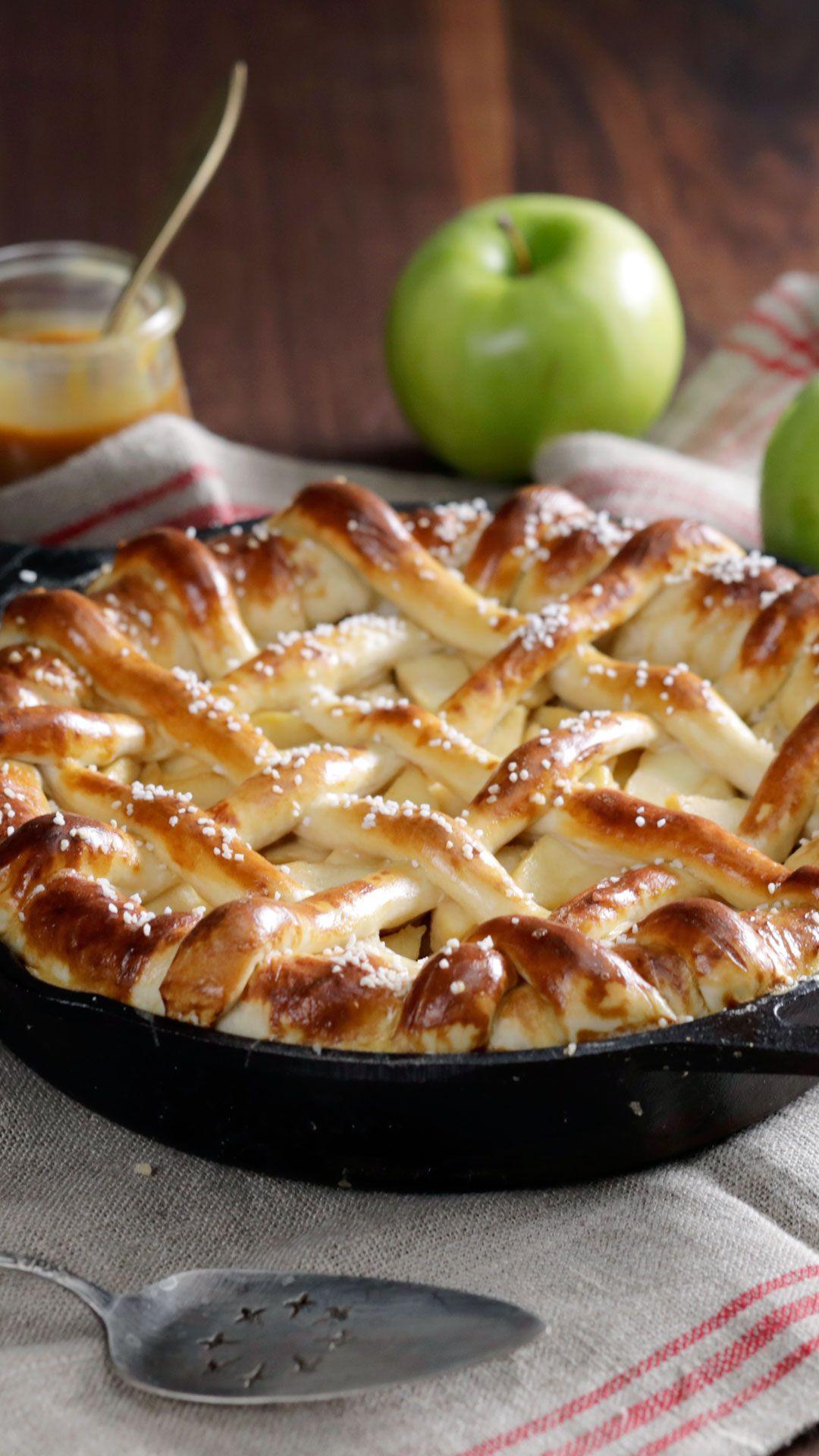 Caramel Apple Pretzel Pie Video Recipe Video Pretzel Pie Recipes Apple Pretzels