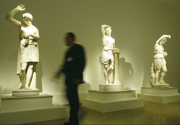 Obras de arte robadas por los nazis se exhibirán en Alemania y Suiza - http://diariojudio.com/noticias/obras-de-arte-robadas-por-los-nazis-se-exhibiran-en-alemania-y-suiza/169373/