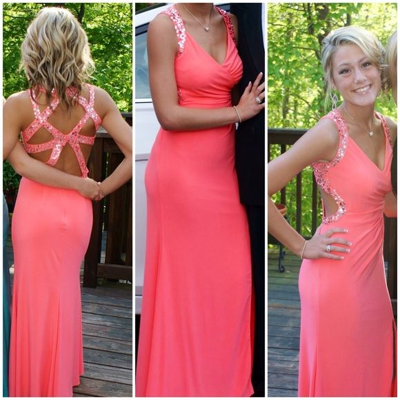 Hailey Logan by Adrianna Papell prom dress Salmon or coral color v ...
