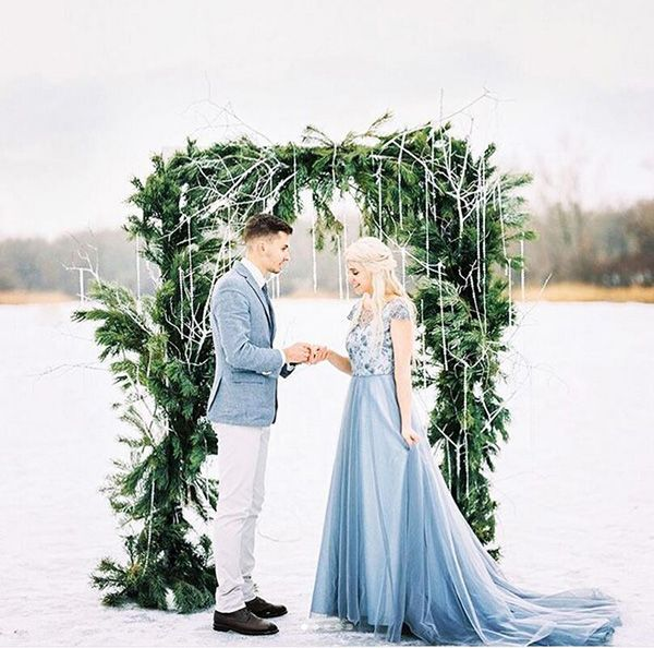Winter Wedding Altar Ideas: 20 Evergreen Winter Wedding Decoration Inspiration