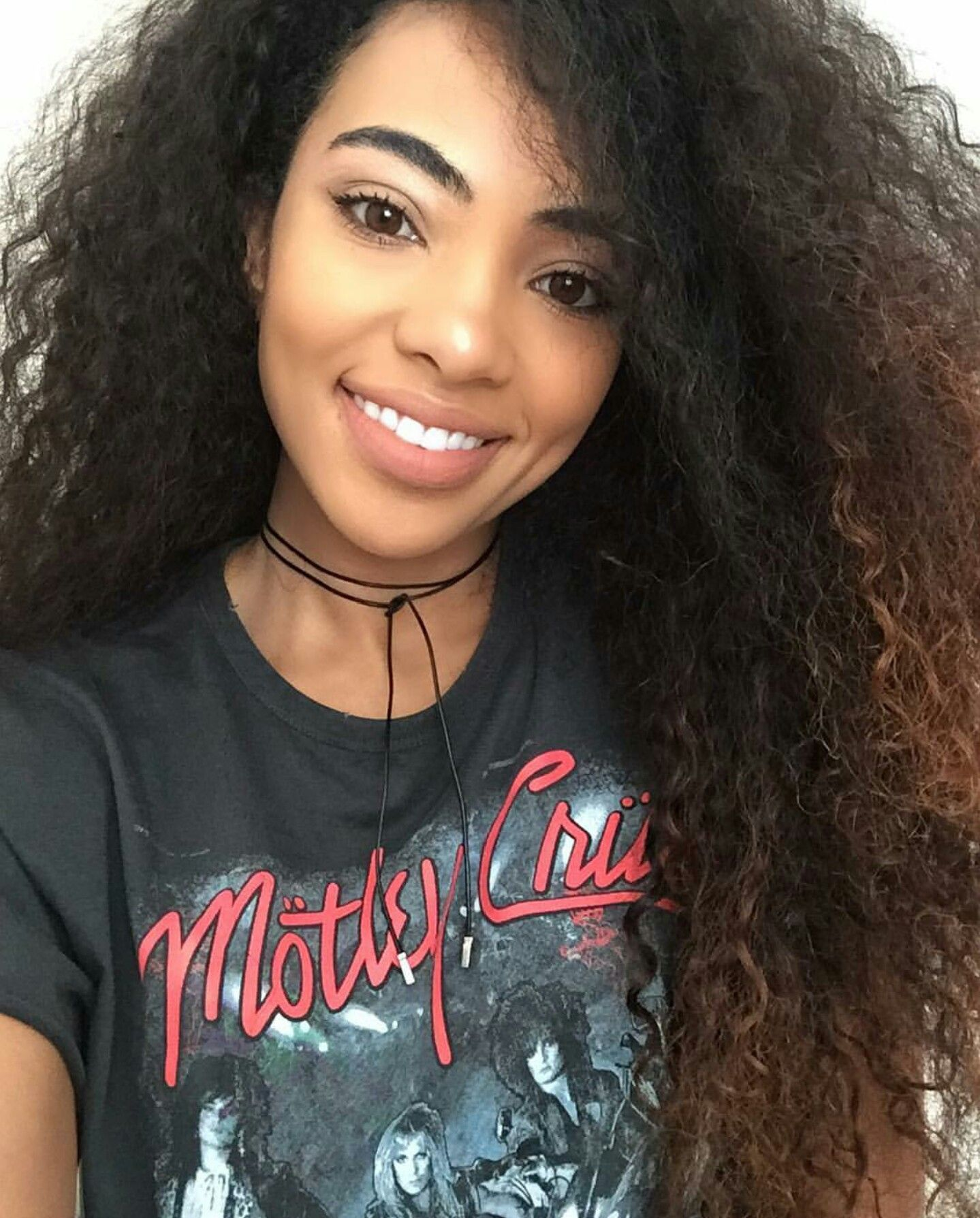 Black women with highlighted hair - Natural Makeup For Black Women
