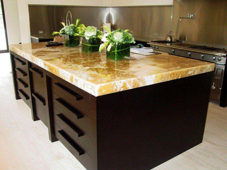 Plan de travail en pierre pour une cuisine haut de gamme! - plan ilot central cuisine