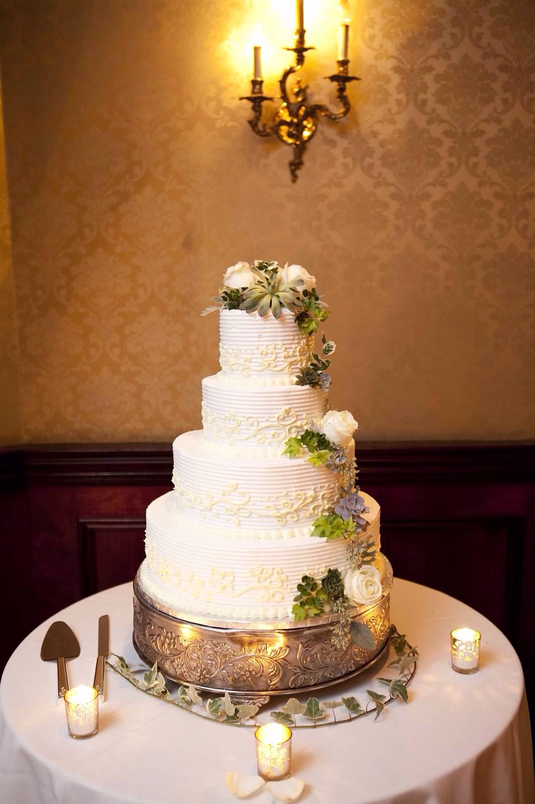 Buttercream Frosting Wedding Cake With Roses And
