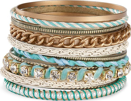 I'm obsessed with these turquoise bangles! If bracelets didn't annoy me so much I'd use bangles to accessorize everything!
