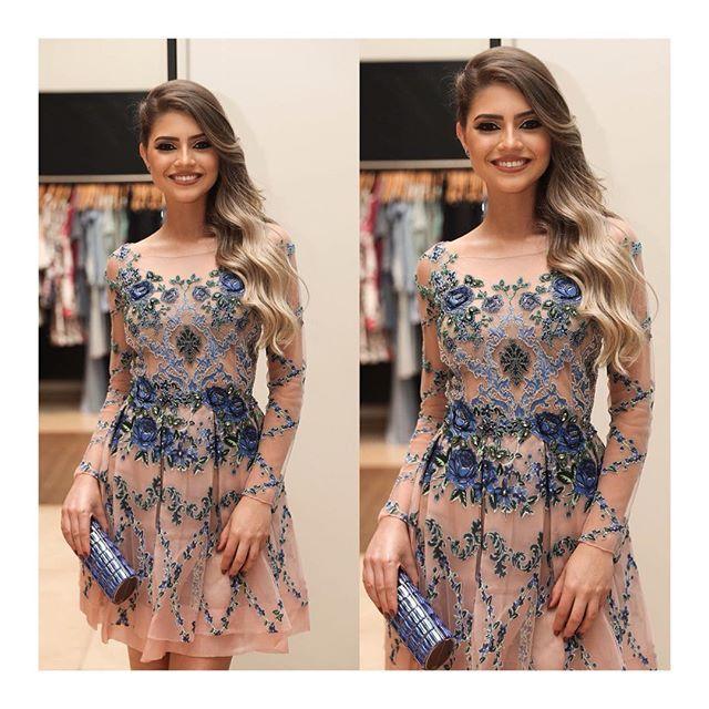 Somos apaixonadas pela riqueza do bordado da nossa estilista Patricia Bonaldi! O vestido que temos ...