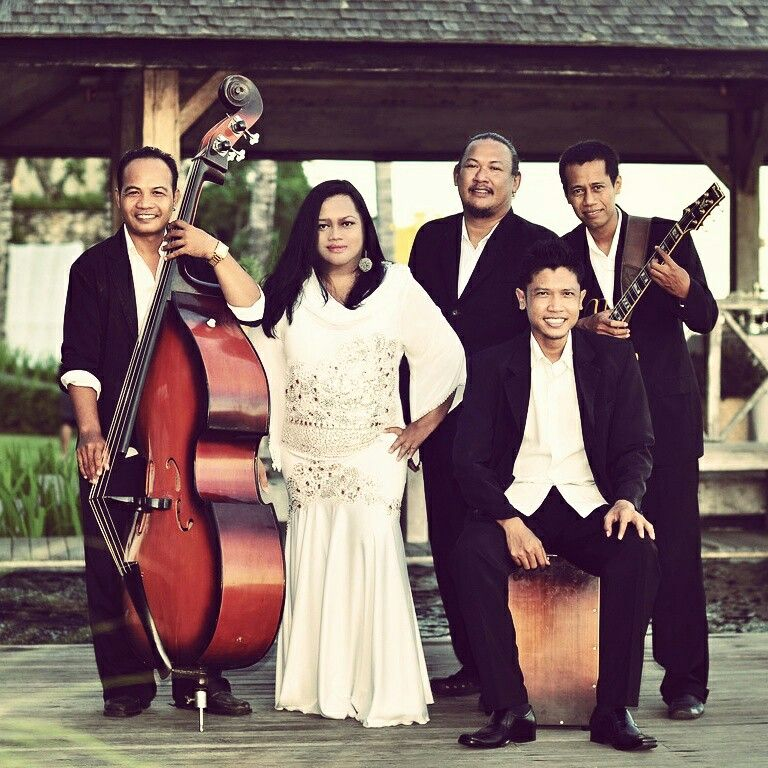 Khayangan Estate Bali wedding, Wedding bands, Jazz band