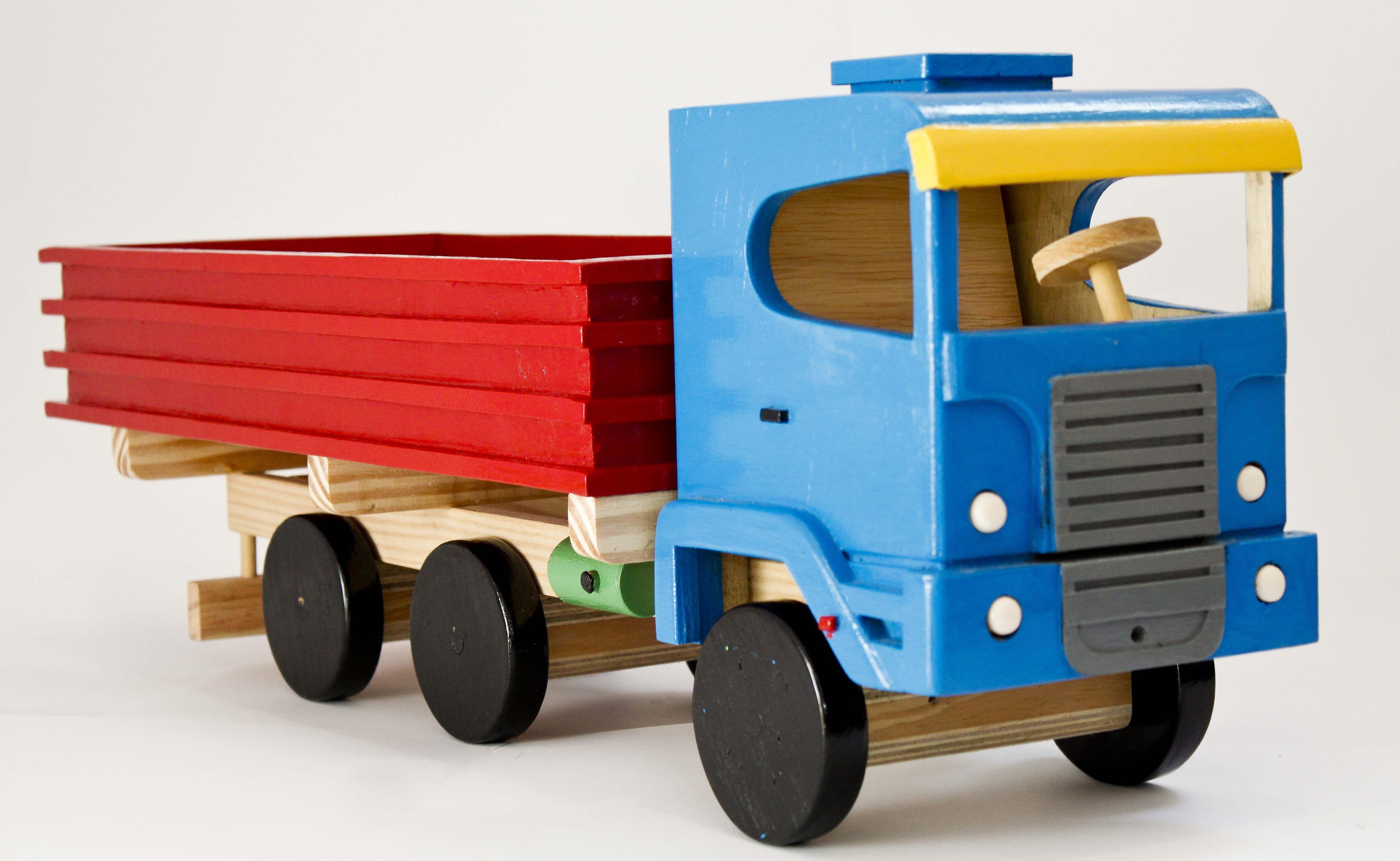 Toys car and truck  Caminhão de brinquedo em madeira  toys  Pinterest  Wood toys Toy