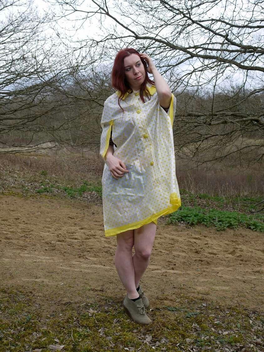 kurzes cape für schüler und studentinnen | regen mode