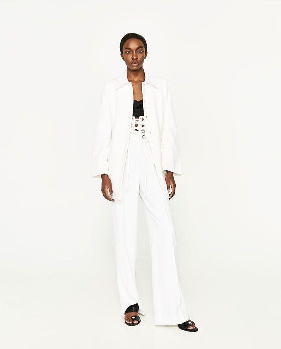 Imagen 1 de LEVITA MANGA CAMPANA de Zara | Moda | Levita