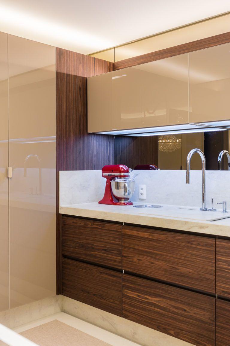 Cozinha Integrada Com A Sala De Jantar Com Acabamentos  -> Acabamento De Sala E Cozinha