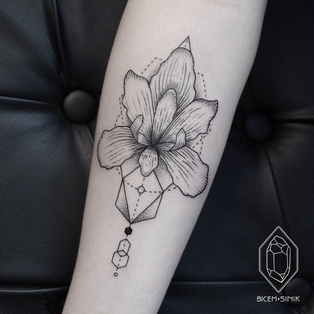 Spotlight The Delicate Linework Of Bicem Sinik Geometric Orchid Tattoo Orchid Tattoo Iris Tattoo