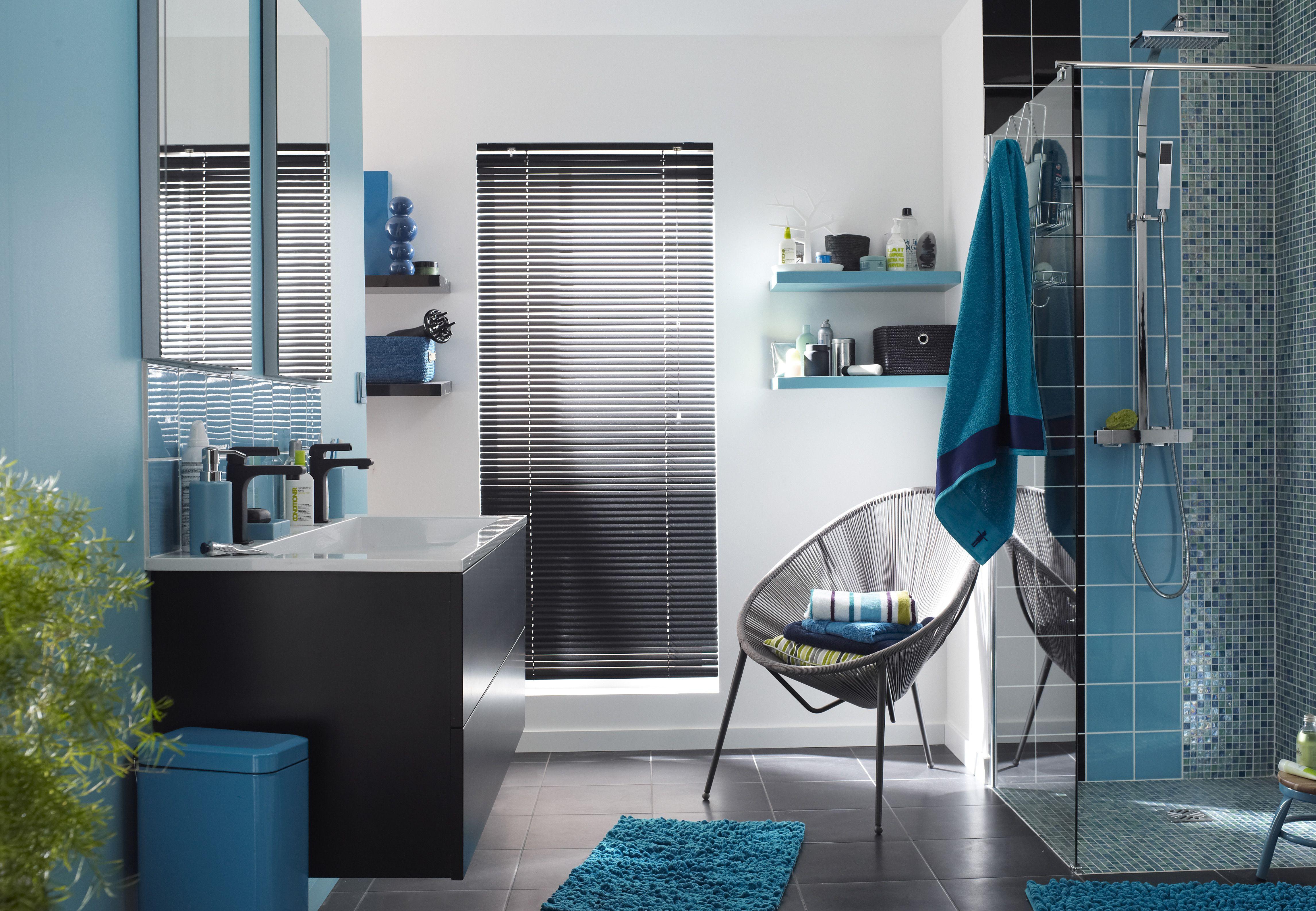 une salle de bains coordonn e entre la peinture et le carrelage id es pour la maison. Black Bedroom Furniture Sets. Home Design Ideas