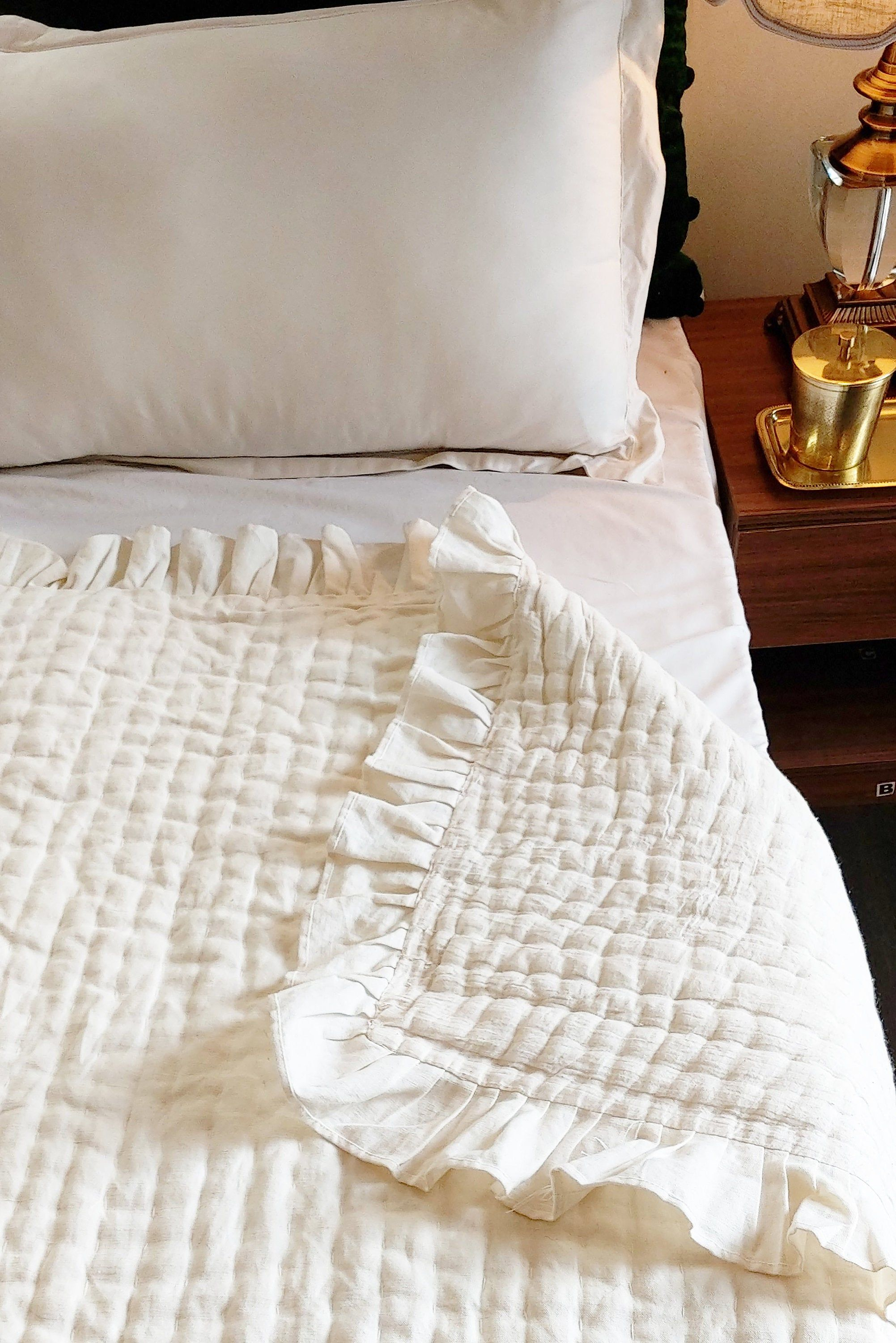 Linen Quilt With Cotton Padding Quilted Blanket Linen Bed Cover Queen Bedspread King Bedspread Twin Bedspread In 2020 Linen Bed Cover Queen Bedspread Bed Spreads