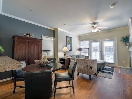 303 477 9205 1 4 Bedroom 1 3 Bath Commons Park West Apartments 1550 Platte Street Denver Co 80202 Apartments For Rent Luxury Living Apartment