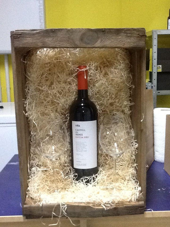 Regalos de navidad en una bonita caja de madera botella - Cajas de madera para botellas ...