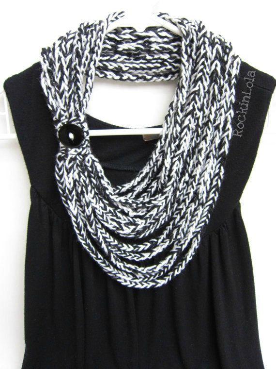 Infinity scarf, loop, steering wheel, circles, red, white, simple ...