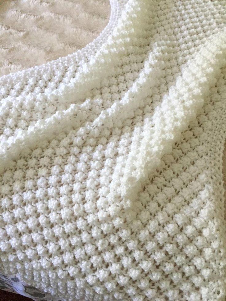 Photo of Ein einfaches Muster mit einer schönen offenen und leichten Haptik, die Bommel …
