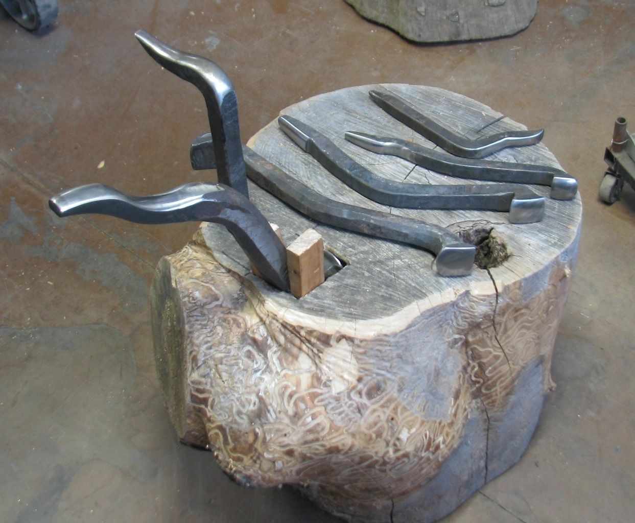 File Php 1 243 1 024 Pixels Japanese Style Stakes Metal Working Blacksmithing Metal Working Projects