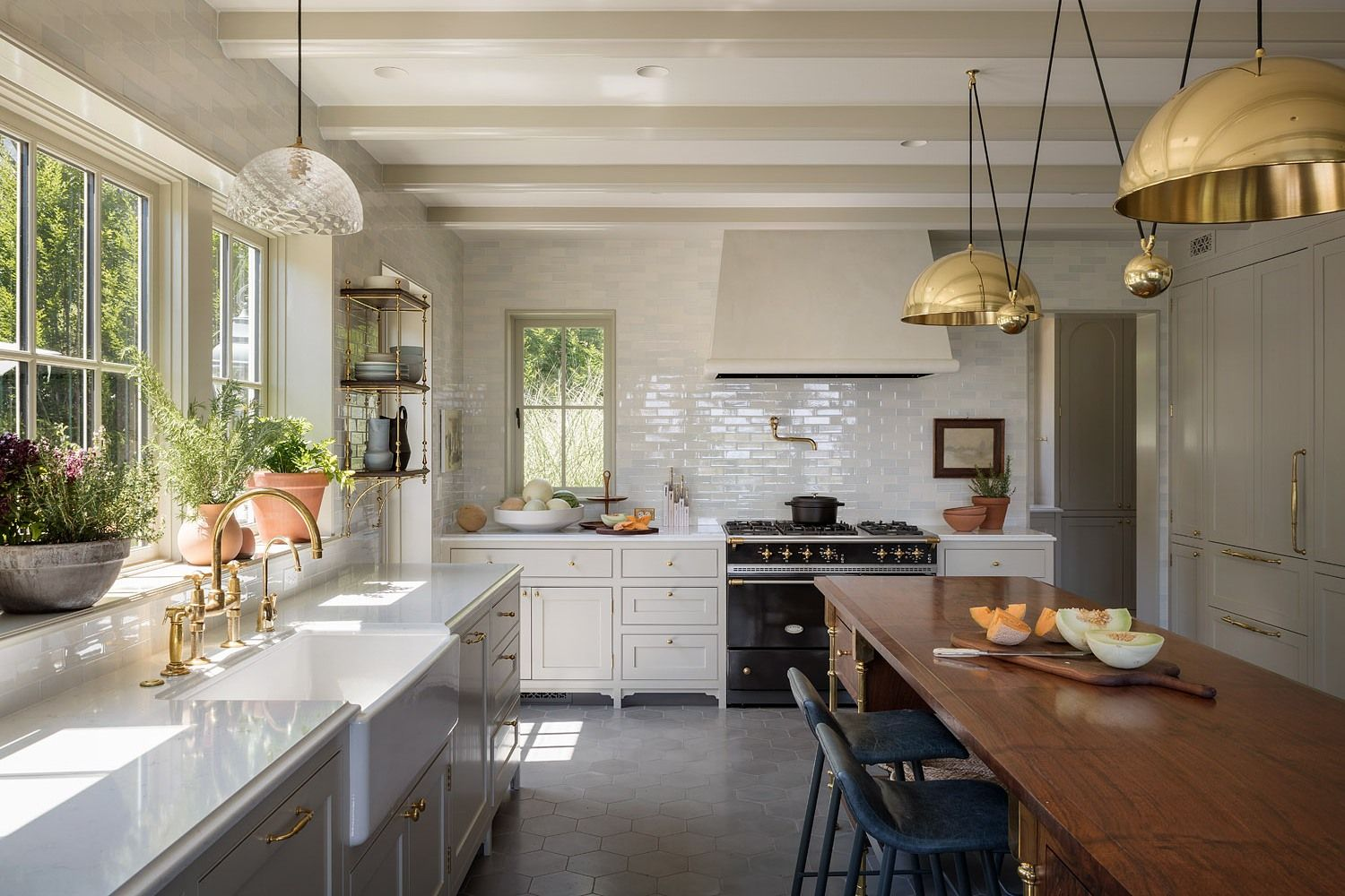 If Warmth Is What You Crave, Consider Off-White Kitchen Cabinets