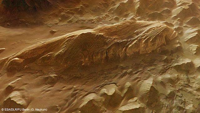 Juventae Chasma Perspective