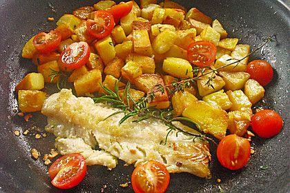 Seelachsfilet auf mediterranen Kräuterkartoffeln (Rezept mit Bild) | Chefkoch.de