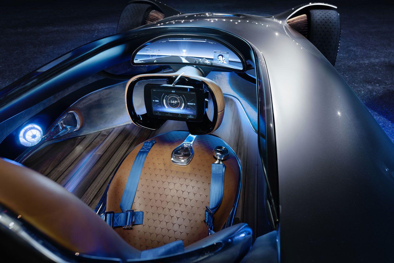 Mercedes-Benz Vision EQ Silver Arrow Concept Interior | 인테리어