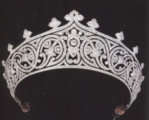 تيجان ملكية  امبراطورية فاخرة 9113e24233d6d0c7f72a651f0243b4b0