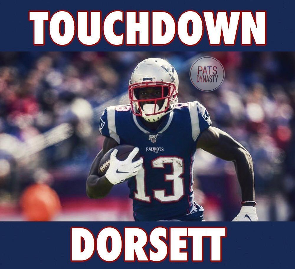 Edelman Throws A Td To Dorsett White Converts On The 2 Pt Conversion And The Pats Take The Lead 17 10 New England Patriots Patriots Nfl Football