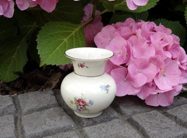 Porzellan Vase Seltmann Weiden mit Streublümchen