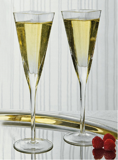 These Unique Square Rimmed Wedding Champagne Toasting Flutes Will Add A Modern Element To Your Spe Toasting Flute Set Unique Champagne Glasses Toasting Flutes