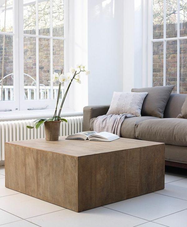 Ein Couchtisch Aus Holz Fugt Warme Und Naturlichkeit Im Wohnzimmer