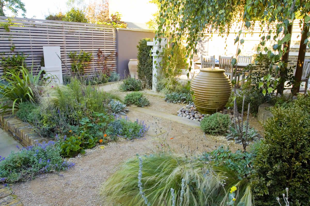 13 small garden winner ideas