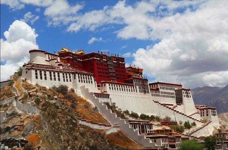 the potala palace Lhasa tibet, Tibet, Beautiful sky