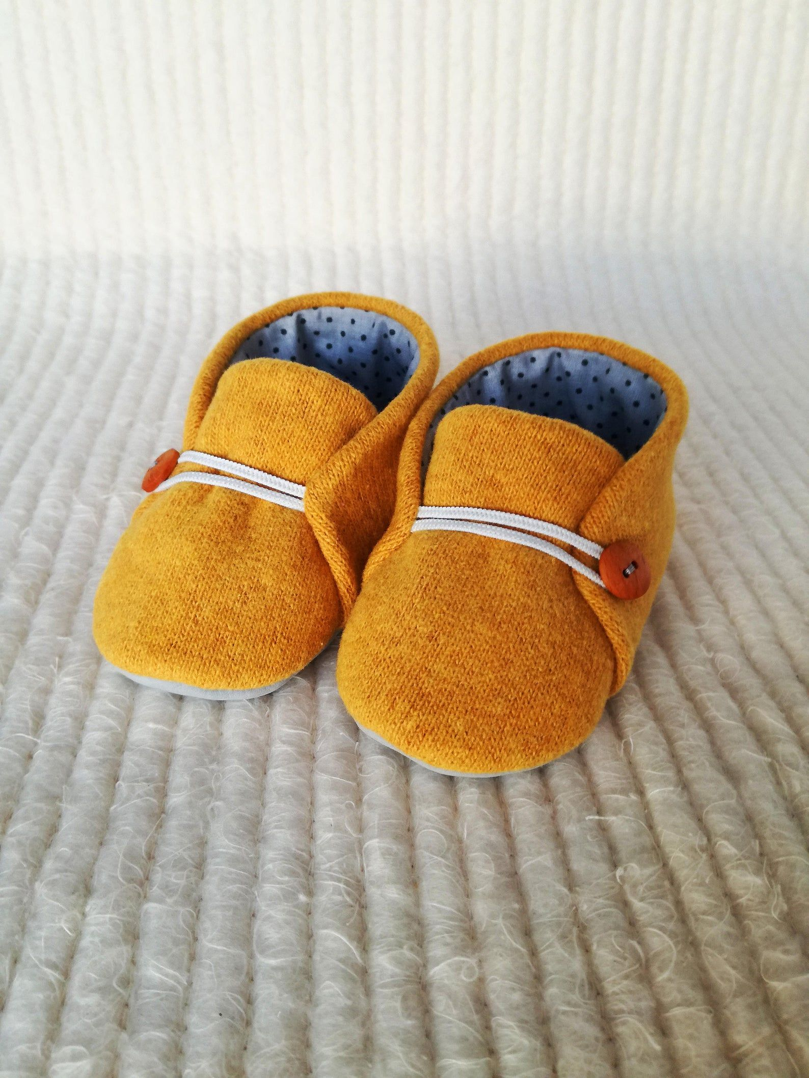 Baby Girls Boys Newborn Knitted Booties Soft Shoes White Grey Pink Blue
